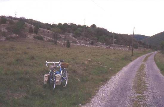 1990 04 16 dans la descente du collet de la serre en ardèche