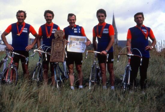 1982 1ère équipe contre la montre à Bouillé Loretz