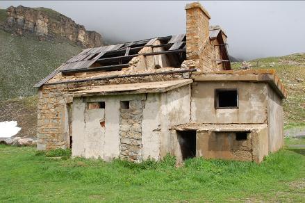 Le camp des Fourches, abandonné depuis la dernière guerre mondiale