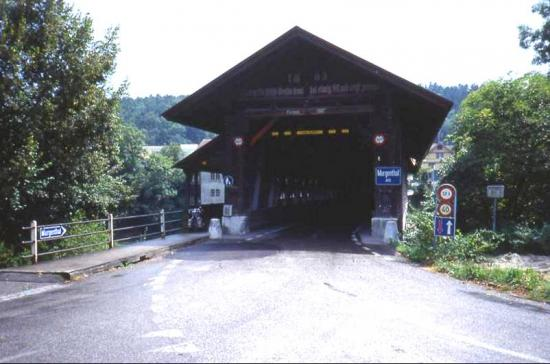 le pont couvert (date de 1863) de Murgenthal en Suisse